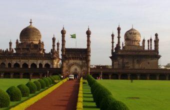Deccan Heritage & Sandalwood Tour